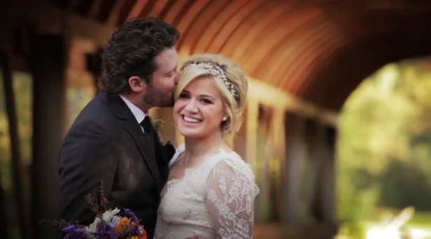Kelly Clarkson Shares Her Wedding Video With Fans